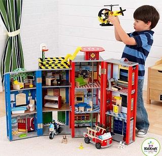 Какой подарить подарок мальчику на 3 года