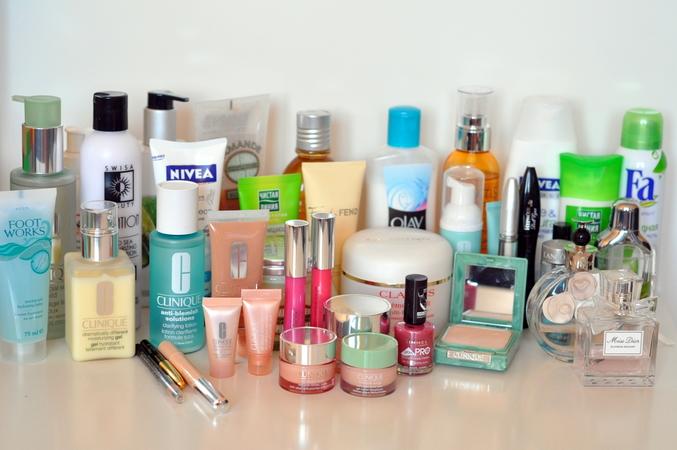 Является одним из лучших брендов среди профессиональной косметики по уходу за кожей лица.