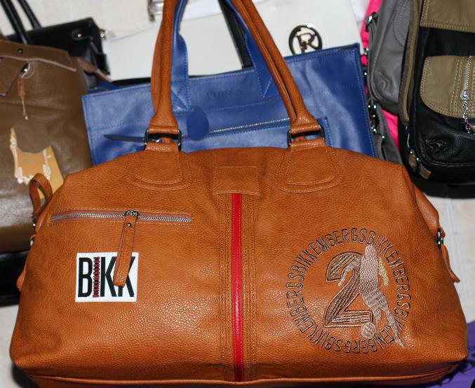 Копии мужских сумок известных брендов из кожи