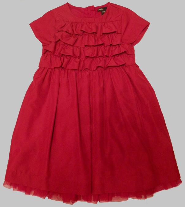 Красивые  платья  и  другое  для  девочки  4-5  лет
