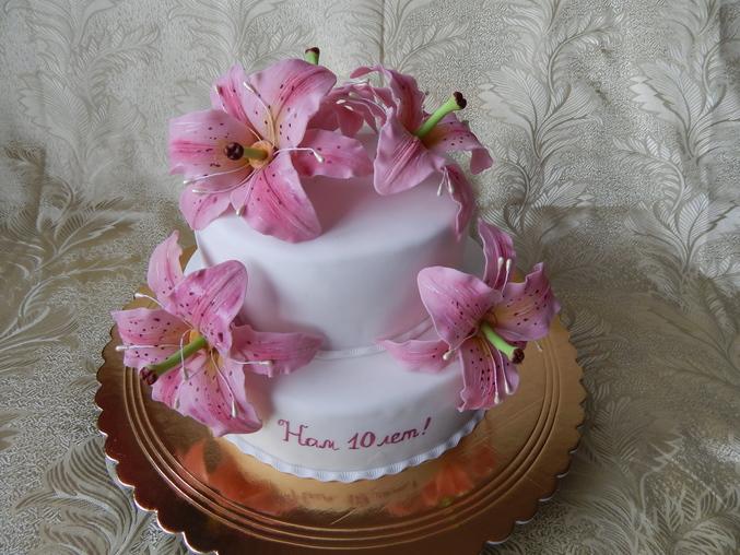 Торты с лилиями фото