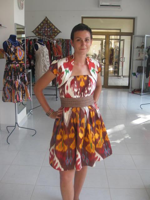 Фото национального платья атласные