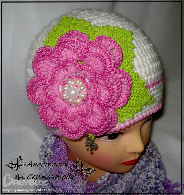 Вязать шапки и цветы видео