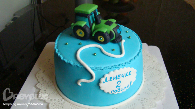 Детский торт в виде трактора