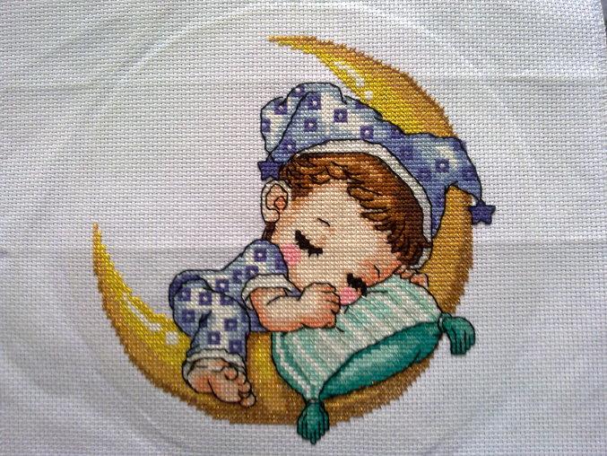 Вышивка спящий малыш схемы 635