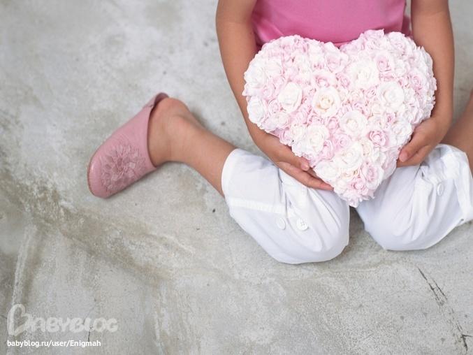 Фото девочек с цветами в руках
