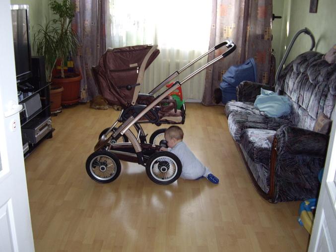 Как же понять, до какого возраста ребенку нужна будет коляска?