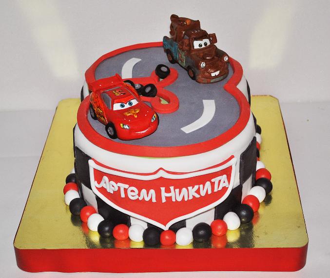 Детский торт тачка маквин на заказ без мастики, фото торта тачки в ... | 570x677