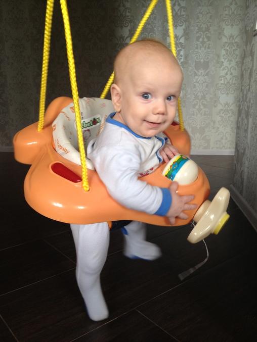 До какого возраста сажать ребенка в автокресло