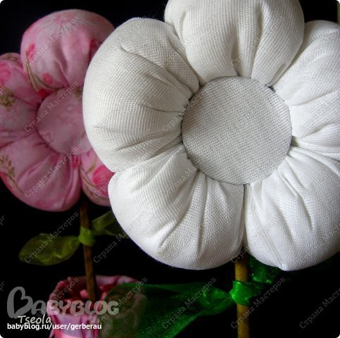 Набивные цветы из ткани пошагово