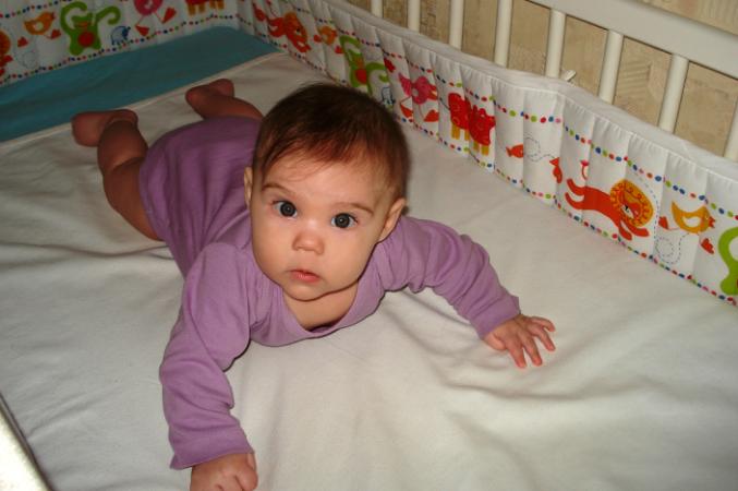 Ребенку месяц спит по 4 часа днем