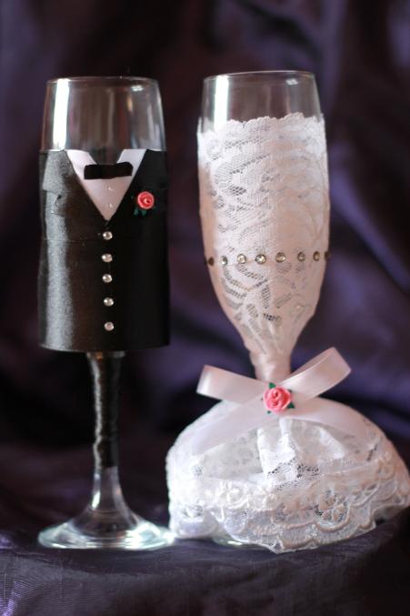 Бокалы на свадьбу жених и невеста из лент
