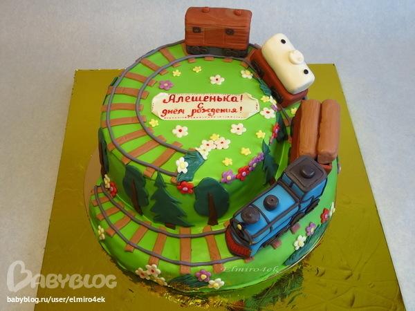 Фото торта в виде электрички
