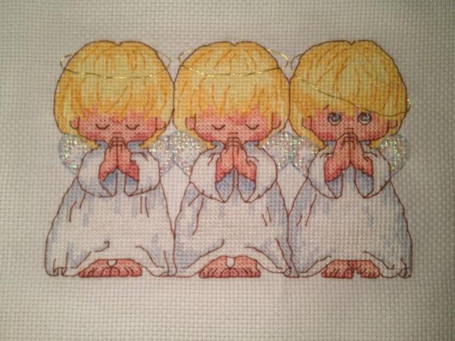 Вышиваем ангелочков для беременности