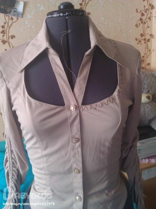 Когда увидела этот мастер-класс - решила переделать рубашку. .  Кое-как нашла блузку. .  Выкинула ее в тряпки. .