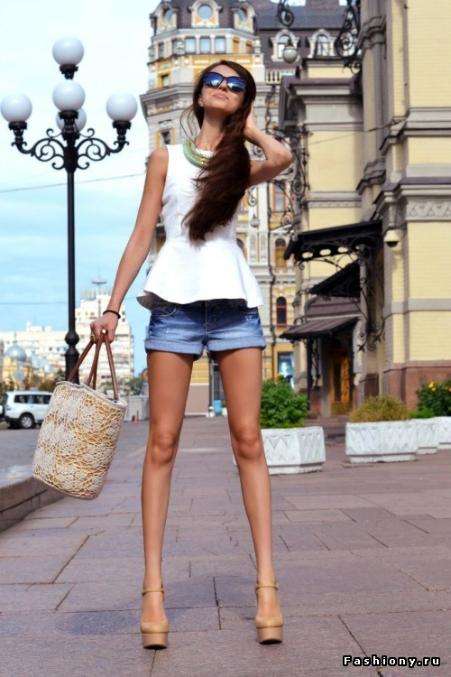 фото поп девушек в сауне в стрингах