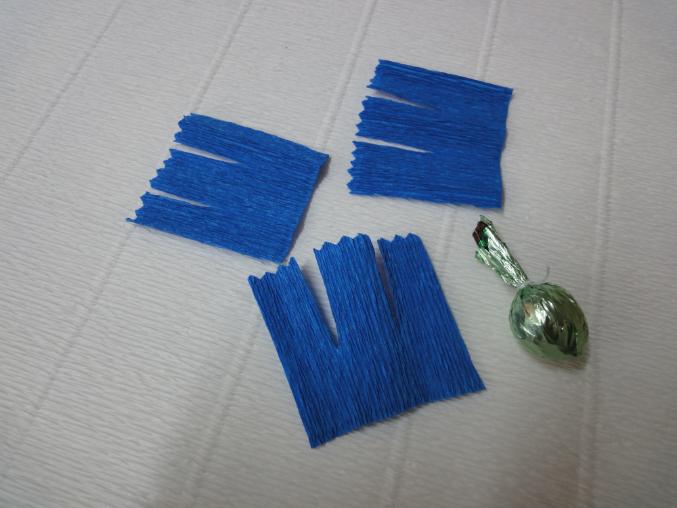 Сделать своими руками василек из гофрированной бумаги