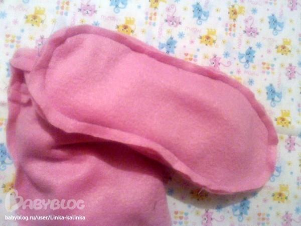 На этом фото я вместо розового пришила синий флис на внутренний сапожок. кожзам пришить к внешнему сапожку...