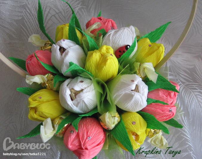 Букет с конфетами и цветами своими руками