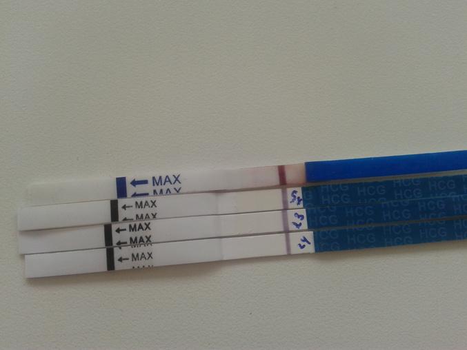 фото слабоположительных тестов на беременность