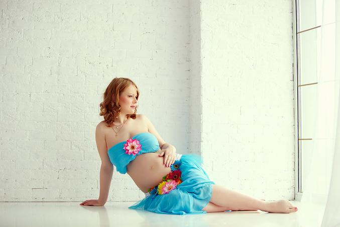 Фото беременных девушек в студии