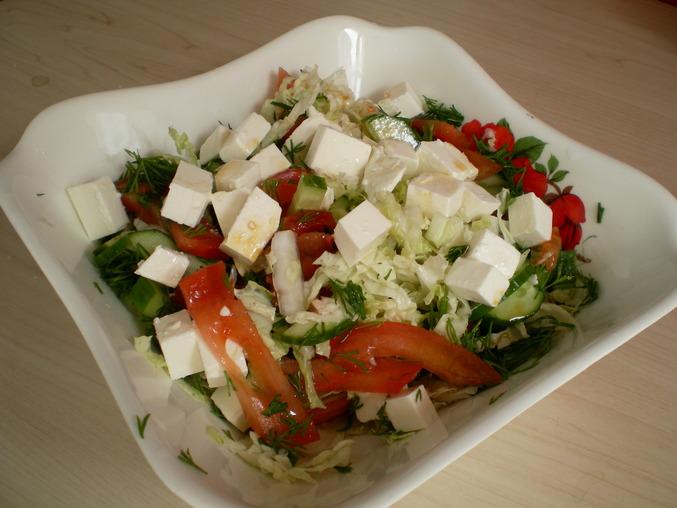 Салат с пекинской капустой сыр