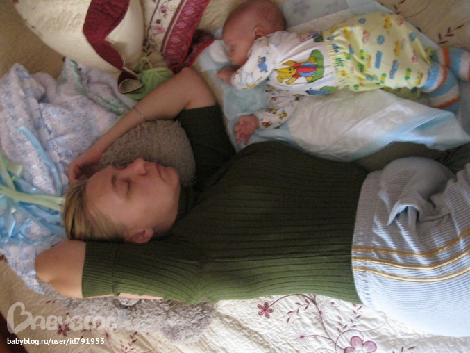 Фото бабушка спит с внуком фото 597-616