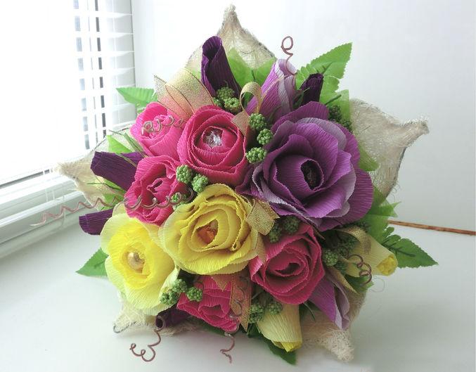 Маленький букетик для девочки из цветов