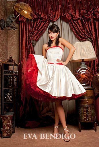 Сшить платье с корсетом и пышной юбкой