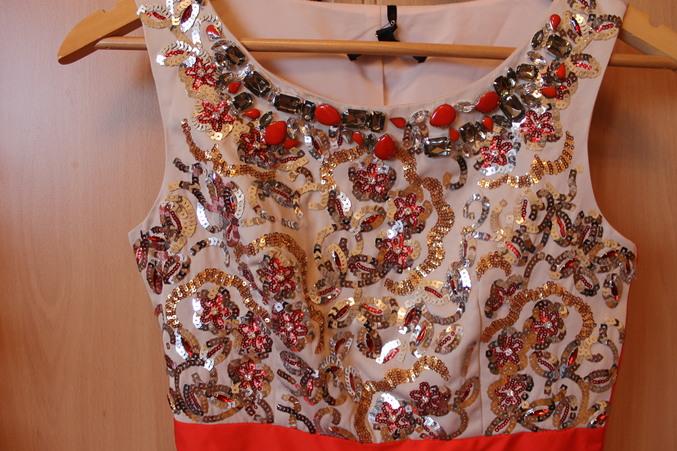 Платье от коаст